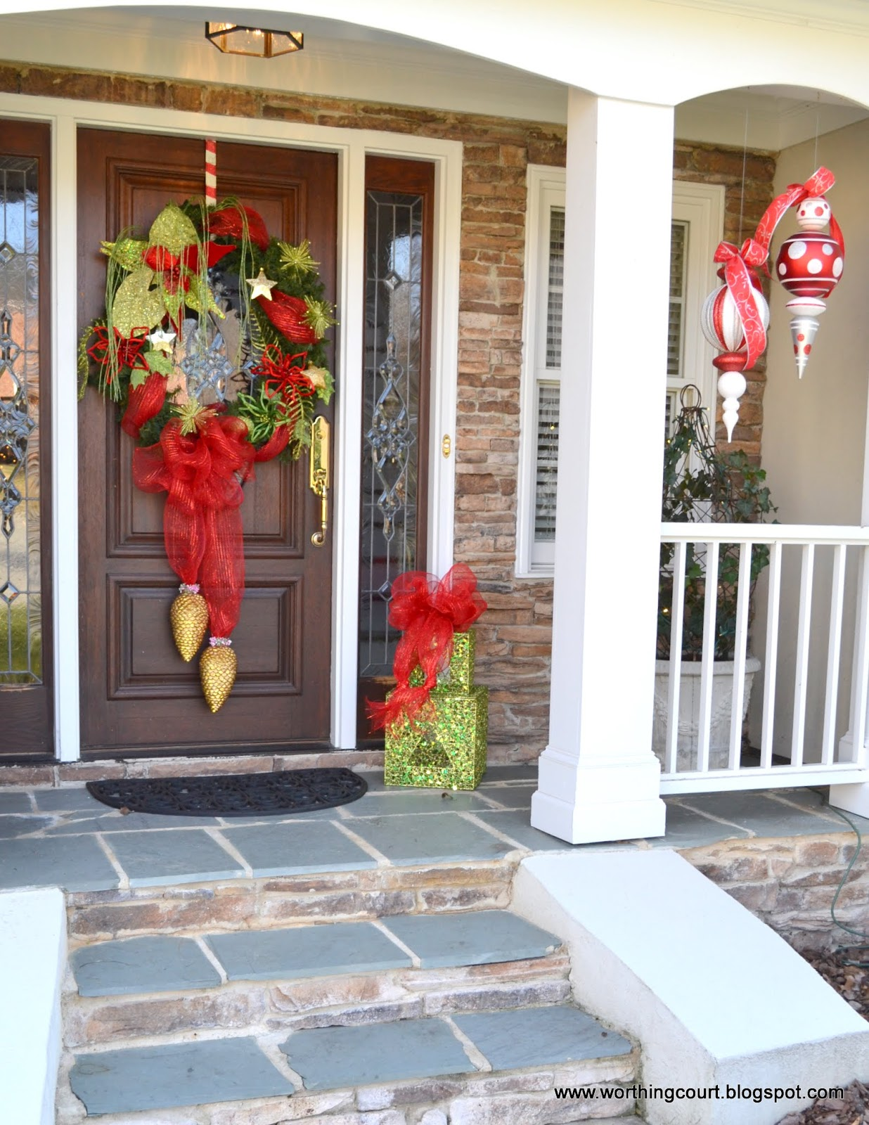 Christmas tour at nancy 39 s worthing court - Christmas decorating exterior house ...