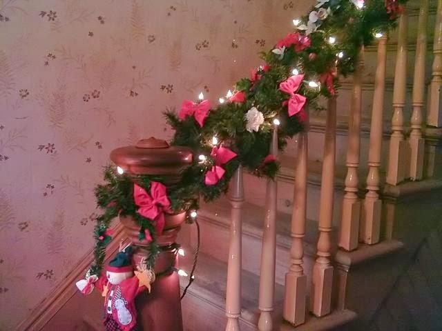 Multinotas decoraci n navide a escaleras parte 2 - Decoracion navidena escaleras ...