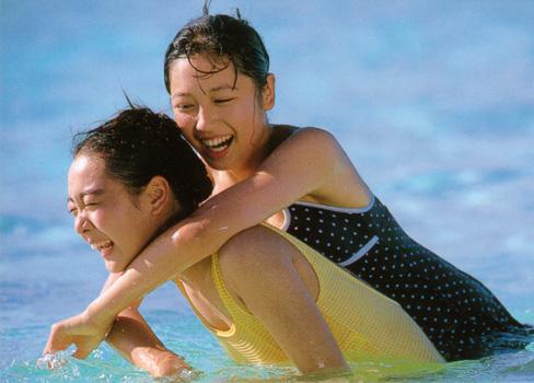 yoko mitsuya and nara saori sexy bikini photos 04