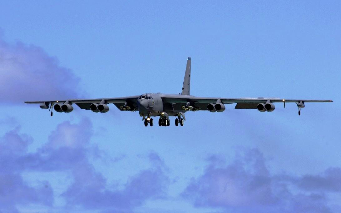 B-52 Stratofortress, Wallpaper Pesawat Jet Pembom 3