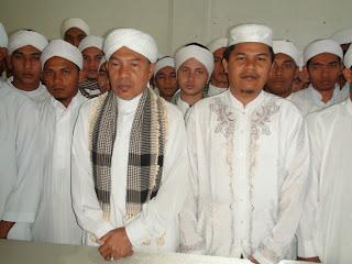 Abu MUDI, Abi Zahrul dan santri