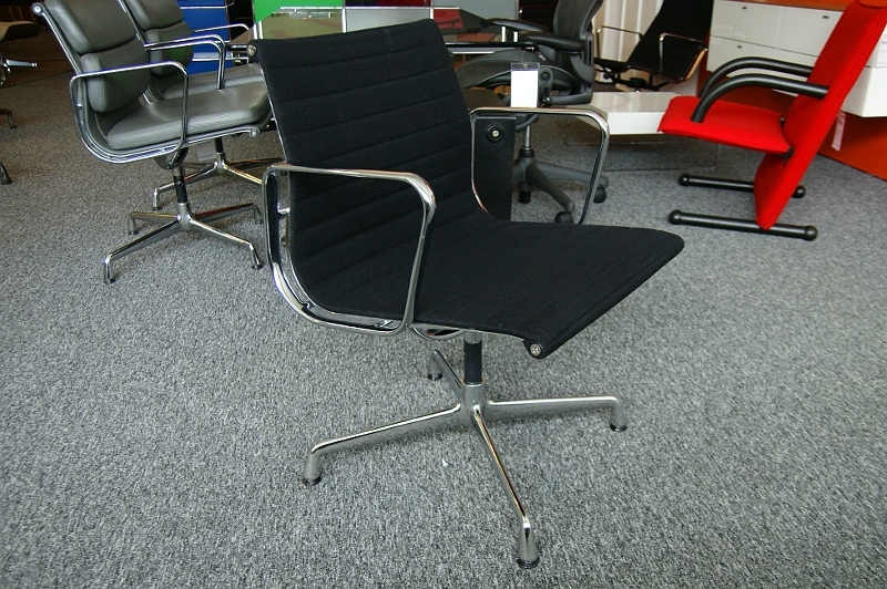 Thebazaarlista vitra i alu chair ea108 i second hand for Vitra alu chair replica