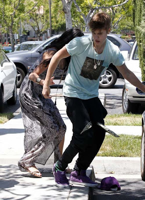 Justin-Bieber-Gets-Into-Altercation-with-Paparazzo