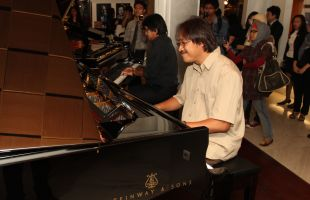 Dwiki Dharmawan Siap Rilis Ensiklopedi Musik Indonesia di Android dan Apple