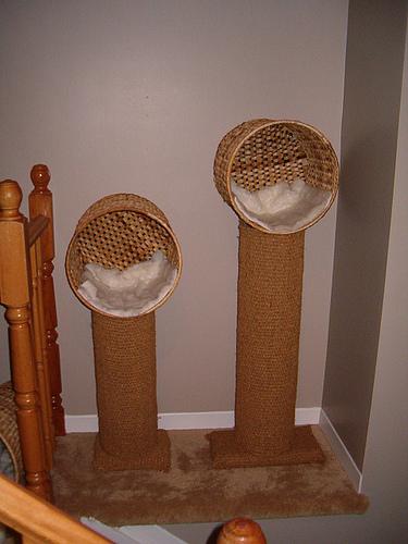 Rbol rascador de sisal con una cesta de mimbre de ikea - Arbol gato ikea ...