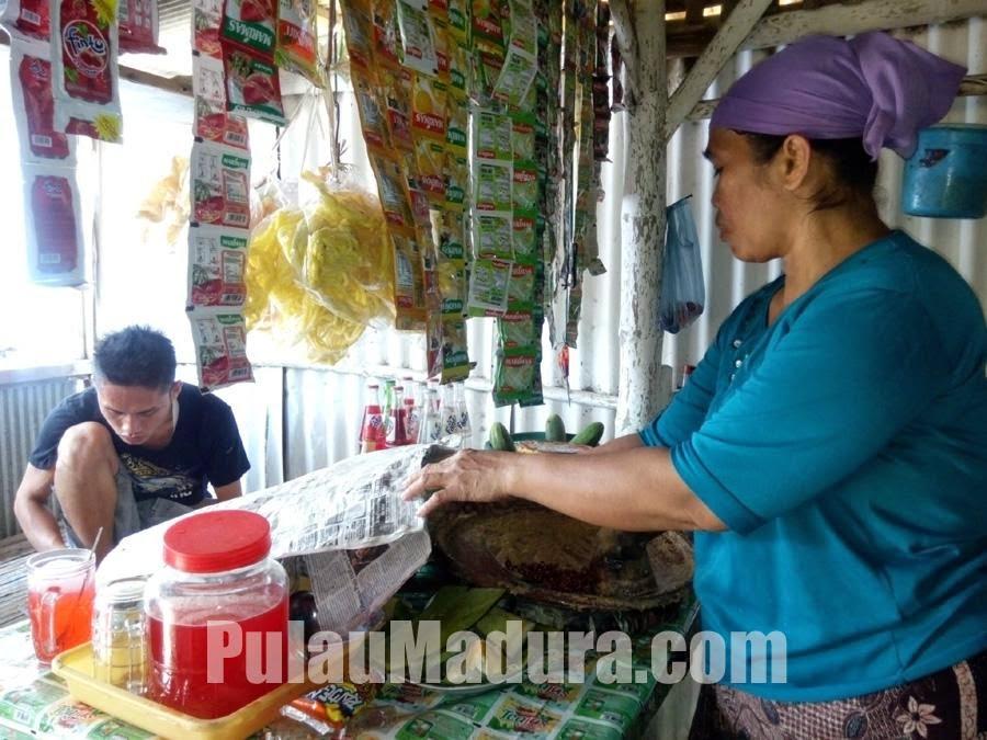 Penjual Rujak Soto Bangkalan - Madura