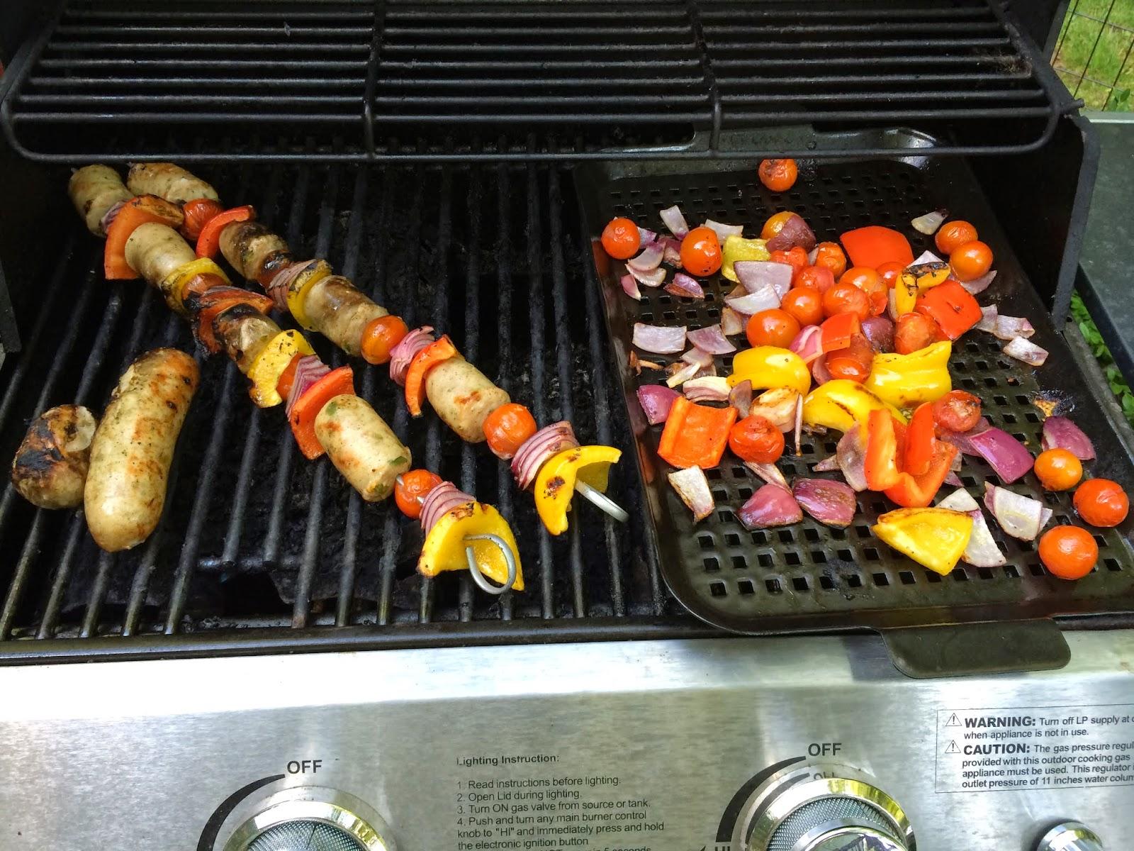 chicken-sausage-pepper-kabobs