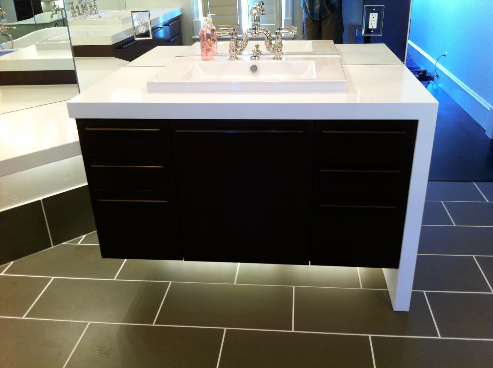 The Granite Gurus Pure White Caesarstone In A Gorgeous Master Bath