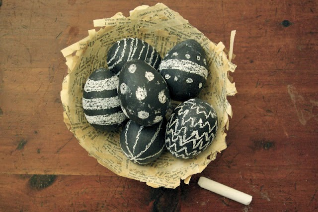 Come-decorare-le-uova-di-Pasqua-lavagna-gessetto