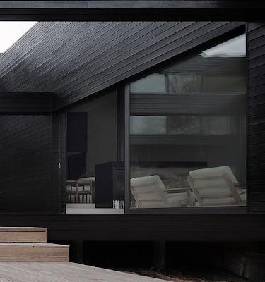 casa elegante fachada negra