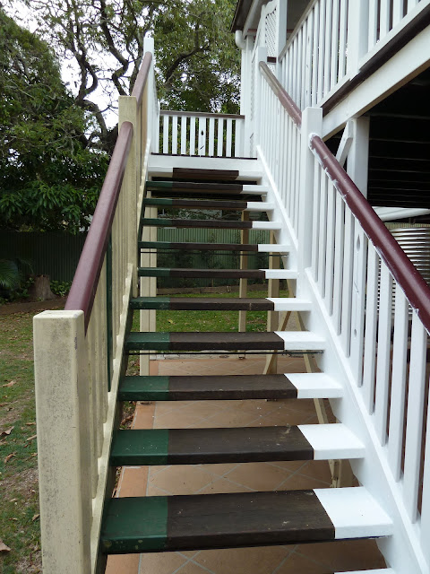 Superieur Half Painted Stair Case. The Treads Will Have White Trim Instead Of Green.