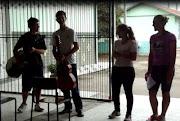 """O 3º Ano EM criou uma paródia """"Agora quero Paz"""" da música Camaro Amarelo ."""