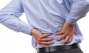 Dor nas costas é o principal motivo de afastamento do trabalho no Brasil