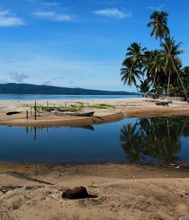 Tempat Wisata KEPULAUAN SULA yang Wajib Dikunjungi (Provinsi Maluku Utara)