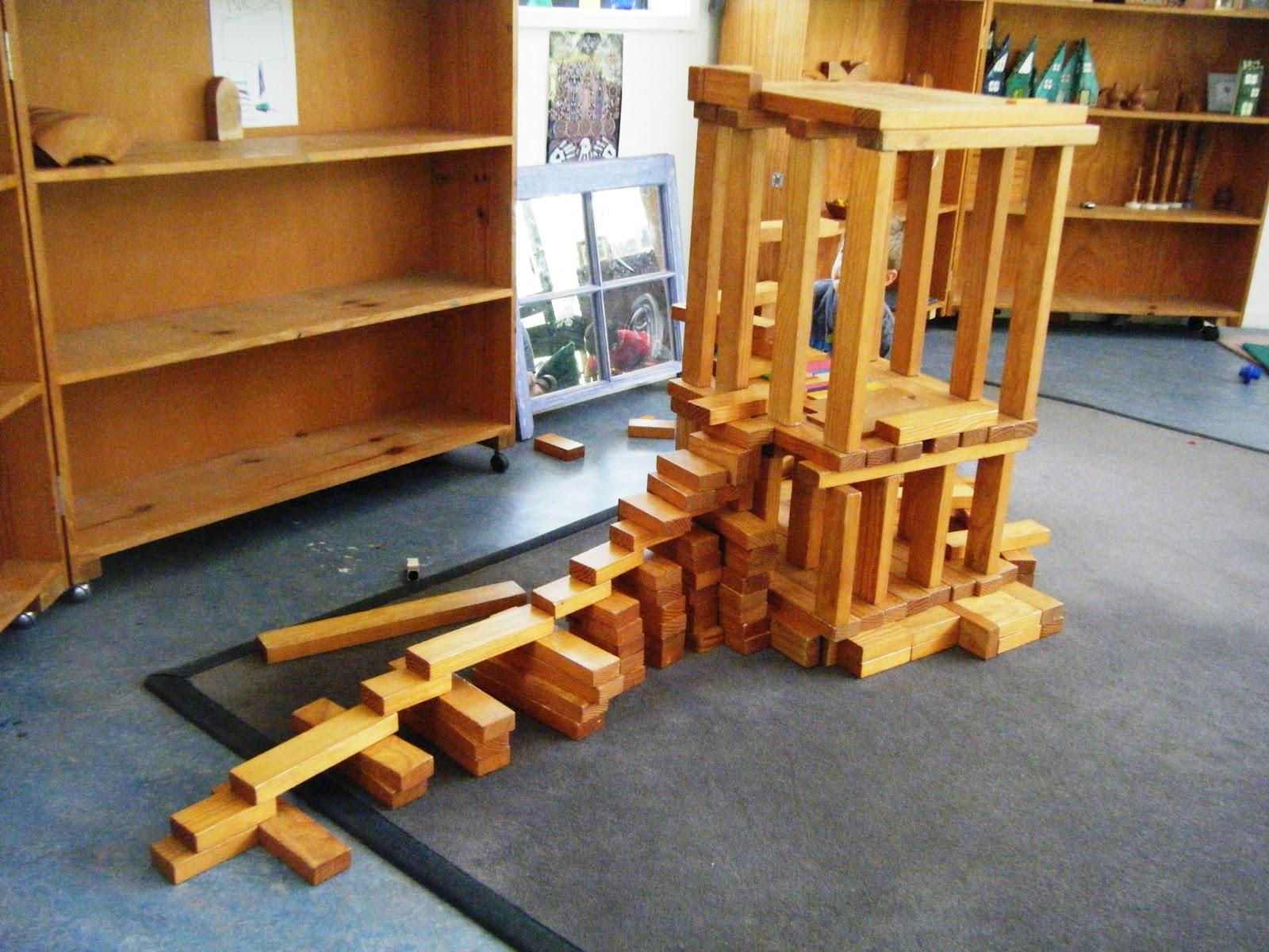 Let the children play preschool engineers