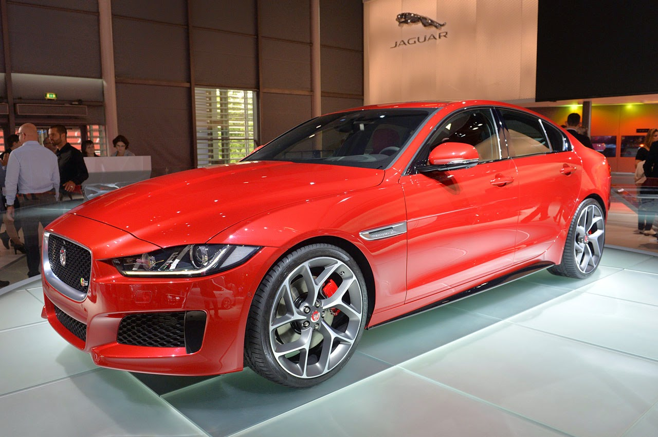 automotiveblogz jaguar xe paris 2014 photos. Black Bedroom Furniture Sets. Home Design Ideas