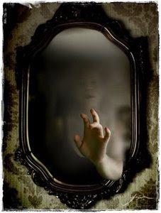 contos de terror - Rostos no Espelho
