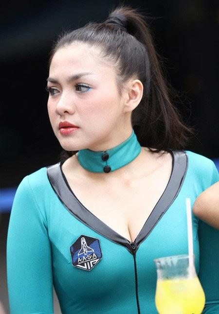 Vicky Shu Axe Apollo