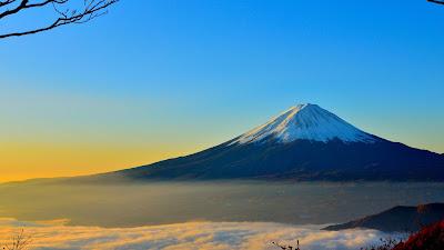 Baixe grátis papel de parede da natureza Monte Fuji no Japão em hd 1080p.