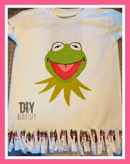 How to paint Kermit on a tshirt www.diybeautify.com