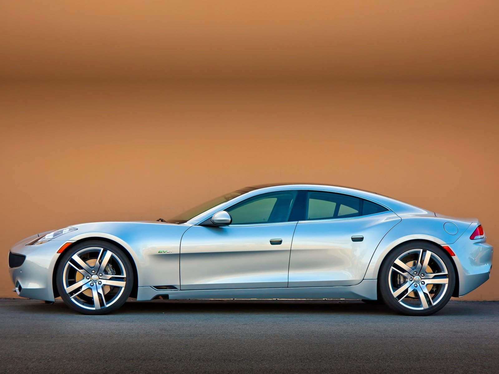 car news car pictures 2012 fisker karma. Black Bedroom Furniture Sets. Home Design Ideas