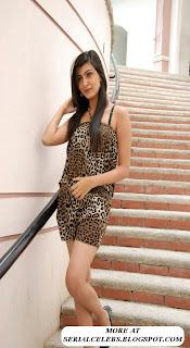 Neelam Upadyaya thigh show