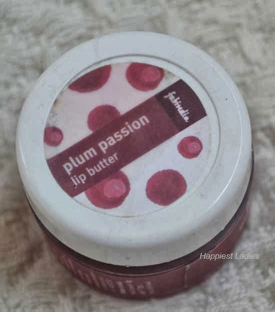 FabIndia-Plum-Passion-Lip-Butte-top-view-+-lip-glosses