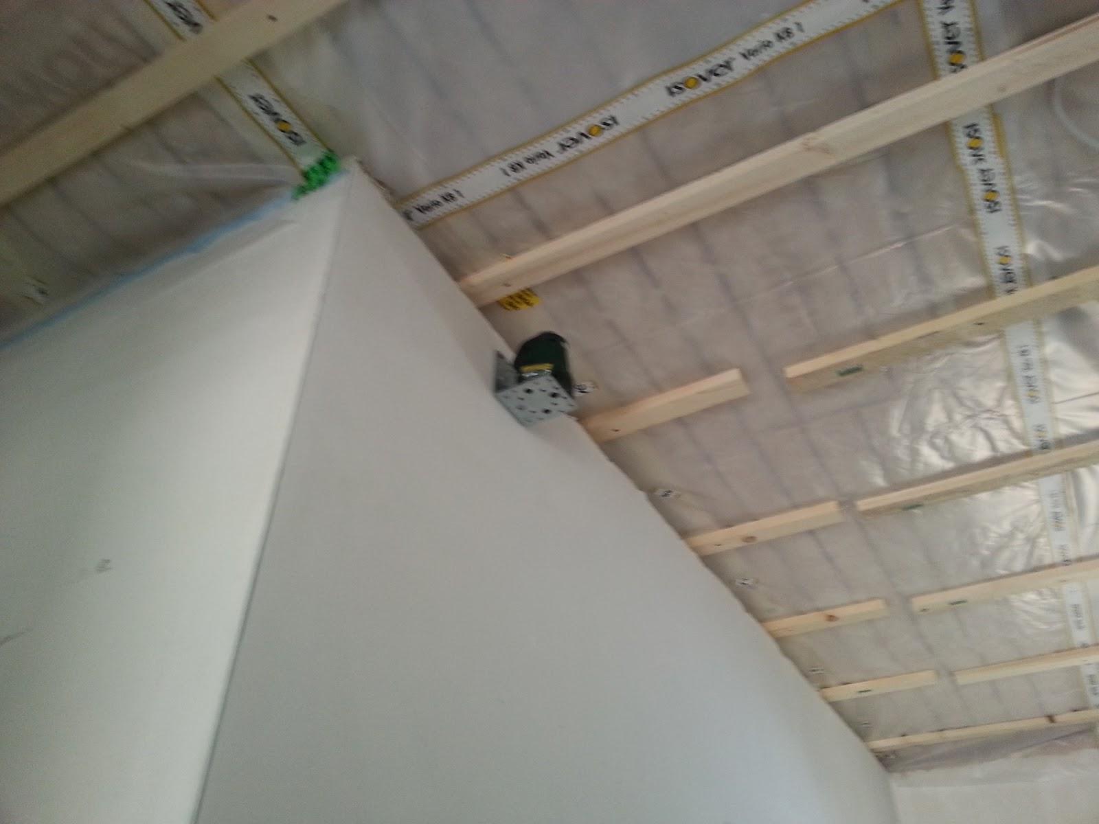 aileen und patrick bauen dachboden dampfsperre lattung. Black Bedroom Furniture Sets. Home Design Ideas