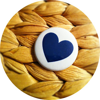 Heart Button blue