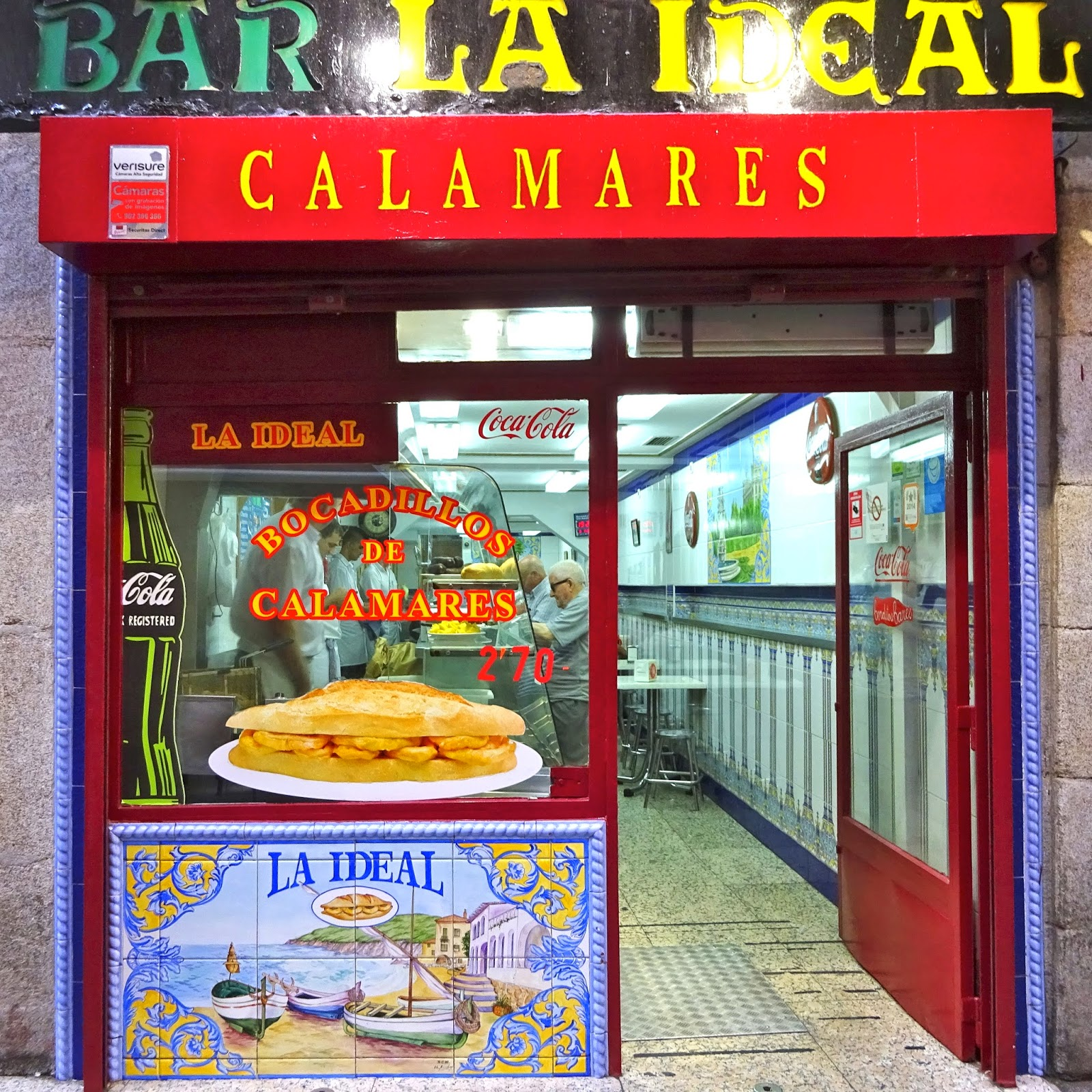 bar, calamares, bocadillo, madrid, plaza mayor madrid, plaza mayor,