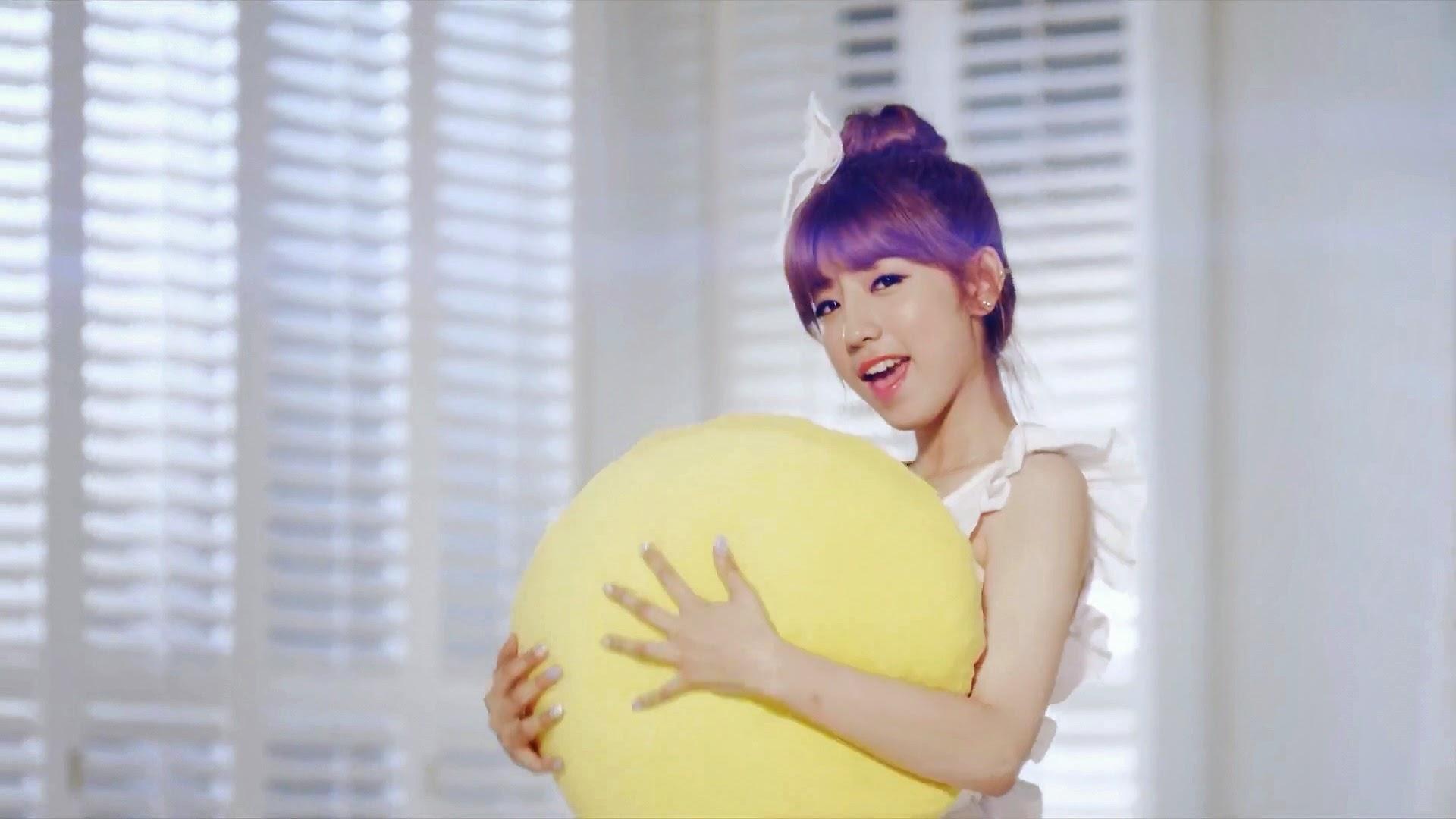 Tiny-G Ice Baby J.Min