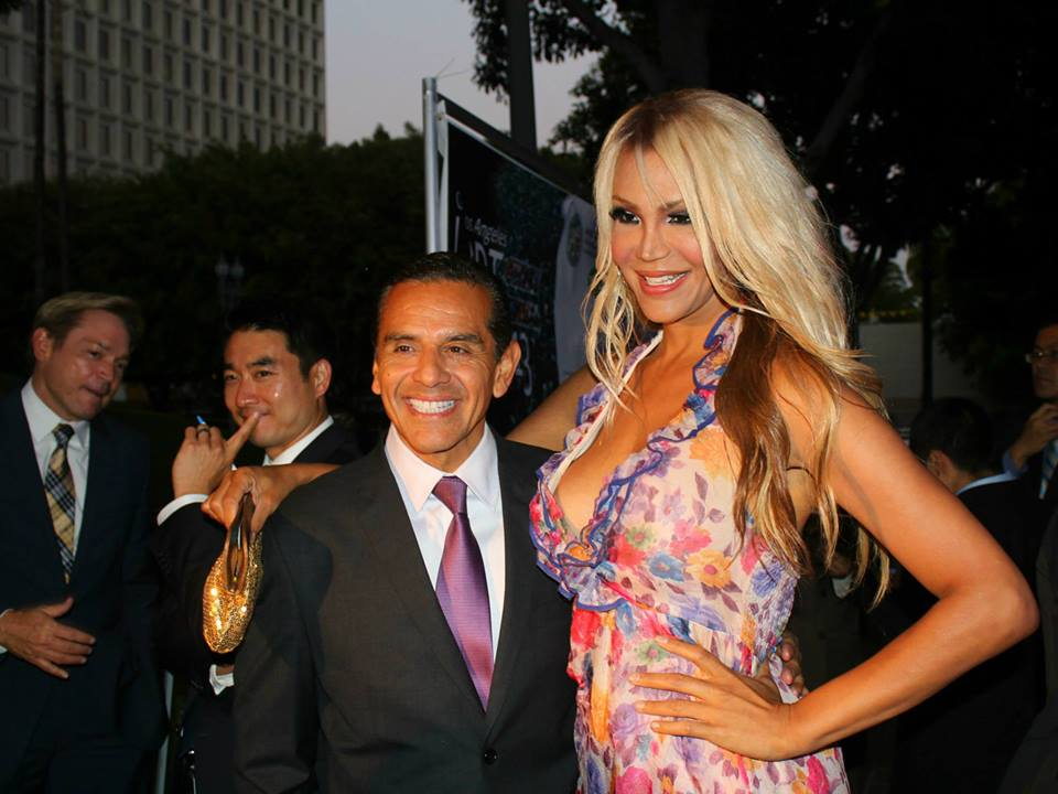 960 x 720 · 78 kB · jpeg, With Mayor Villaraigosa of Los Angeles.