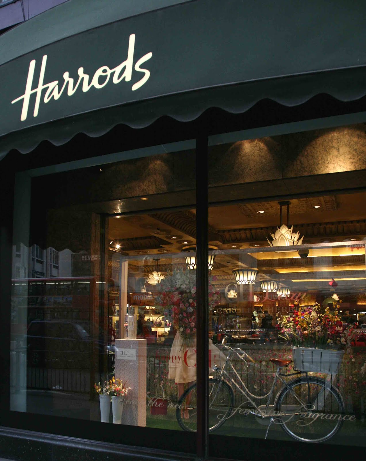 flower shop stories happy in harrods. Black Bedroom Furniture Sets. Home Design Ideas