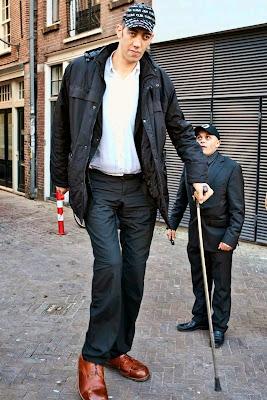 Sultan Kosen - homem mais alto do mundo