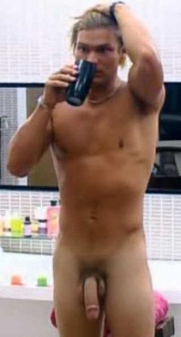 Leon nude paco