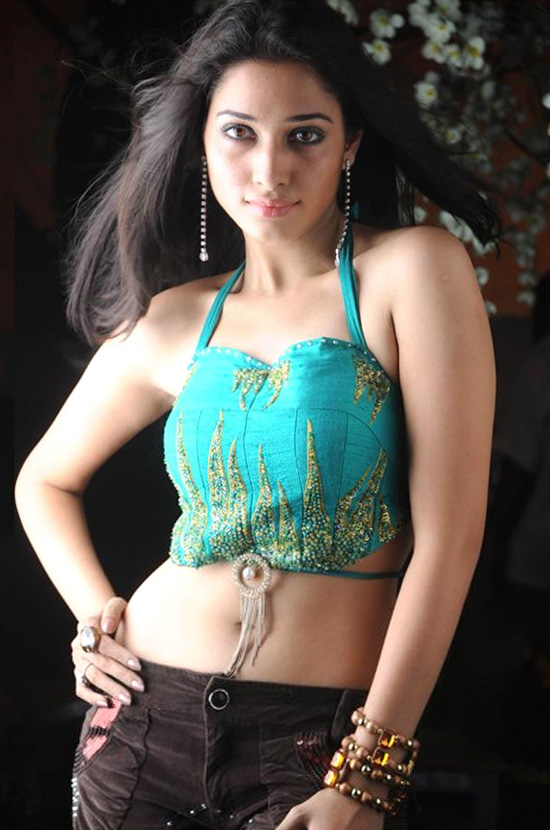 Tamanna Hot breast Expose In