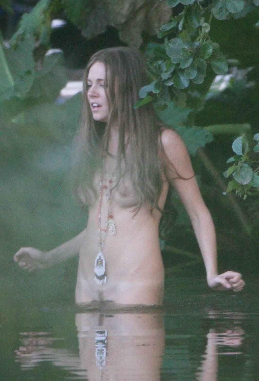 Miller  nackt Sienna Nacktfotos von
