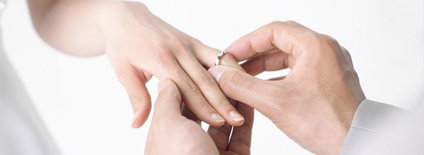 Casamento - aliança - noiva - noivos