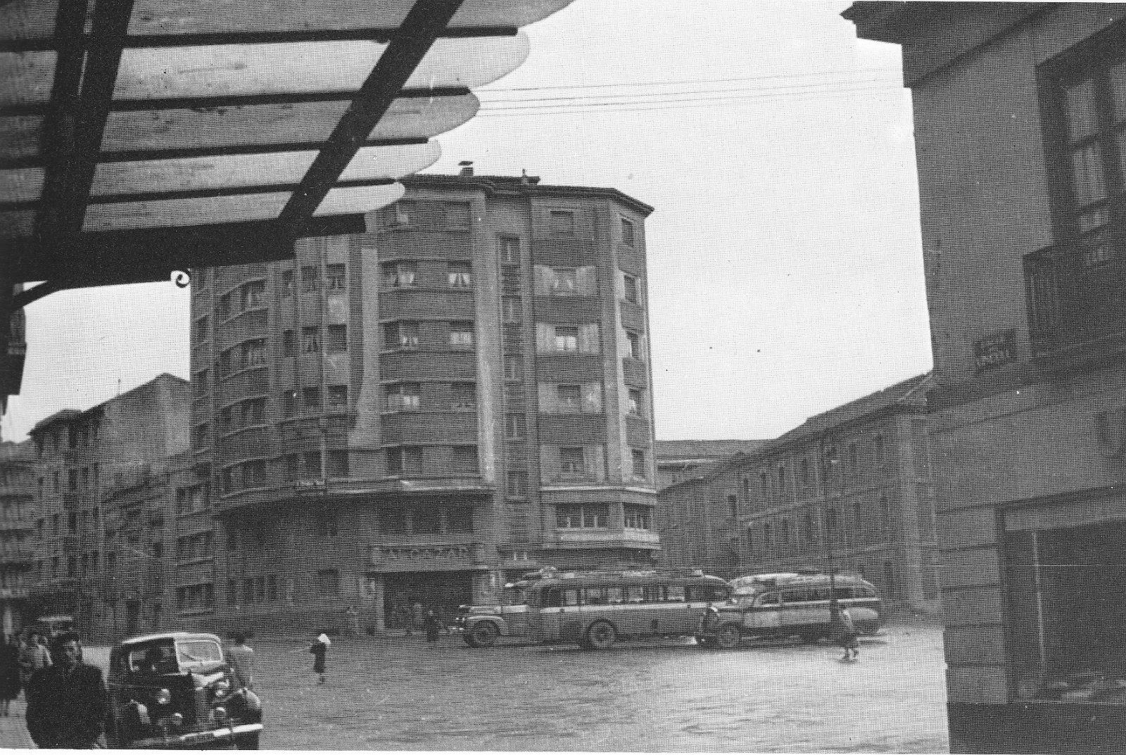 Memorias del viejo pamplona la plaza de la argentina y for Casa puntos pamplona