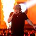 Performances de AC/DC, Lady Gaga, Hozier, Ariana Grande e Adam Levine nos Grammy Awards 2015