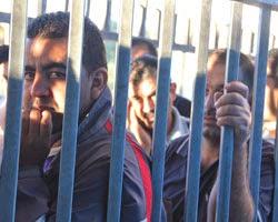 Palästinensische Taglöhner am Checkpoint Bethlehem