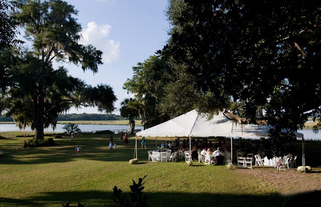 A lowcountry wedding blog featuring Charleston weddings, Hilton head weddings, myrtle beach weddings, southern weddings, kellie mccann photography, beaufort weddings, south carolina, Charleston wedding blogs, Hilton head wedding blogs, myrtle beach wedding blogs