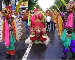 Tradisi Barong Ider Bumi di Banyuwangi.