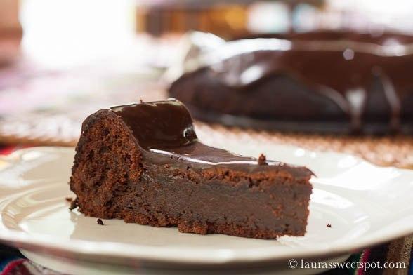 Шоколадный торт без муки фото