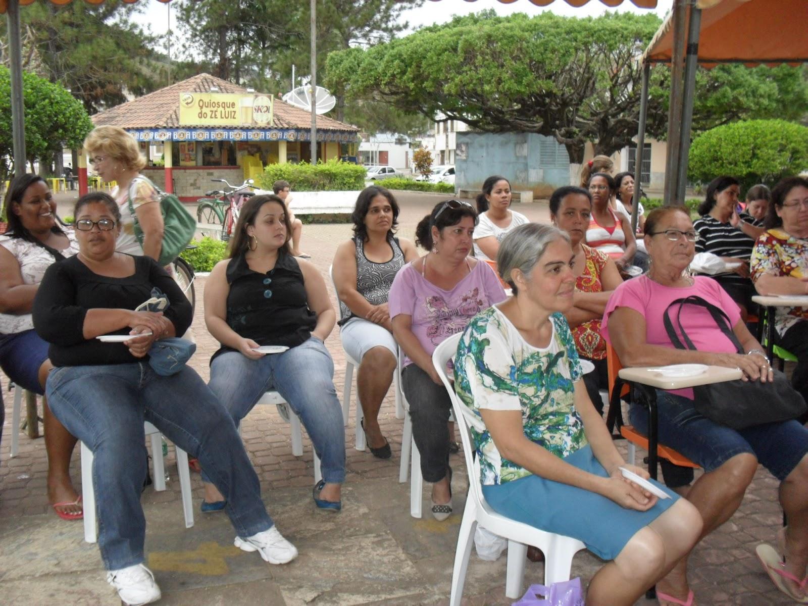 Cozinha Brasil em Porciuncula /RJ #6D4735 1600 1200