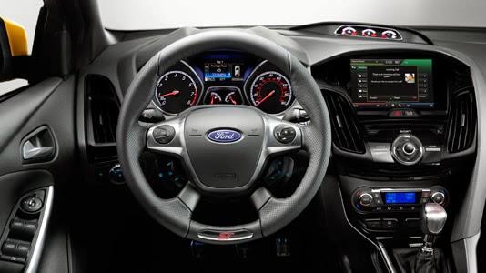 Ford Focus ST 2014 interior