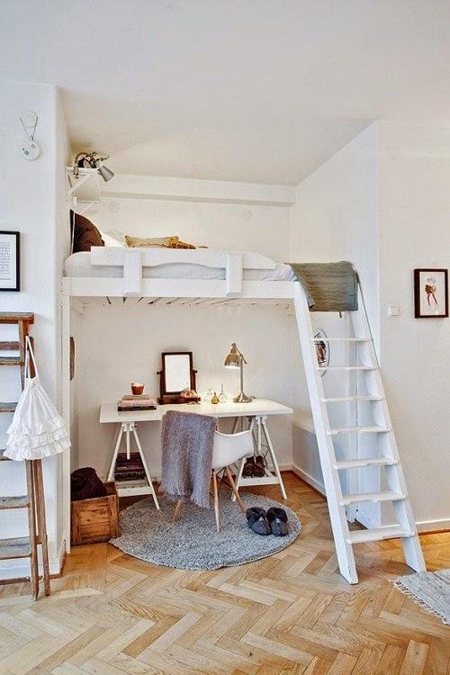 Ideas para espacios pequeños. Oficina con cama en altillo.