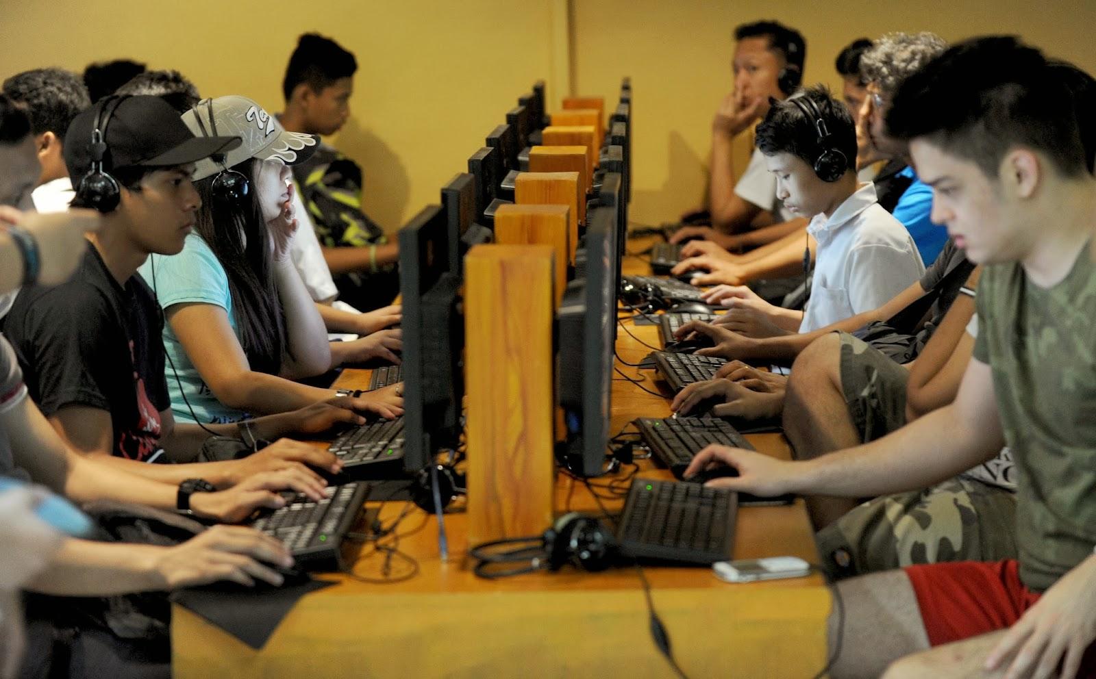 Asia, Crime, Cybercrime, Cybersex, Industry, Internet, Internet cafe, Internet Porn, Law, Manila, News, Operation, Philippine, Police, Rule, School, Supreme Court,