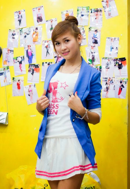 Ngắm teen Việt mặc váy siêu ngắn khoe chân dài