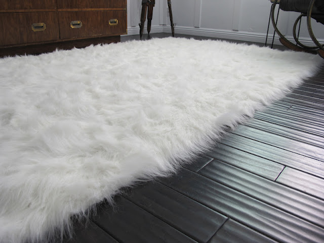 White fuax sheepskin rug by Dream Book Design